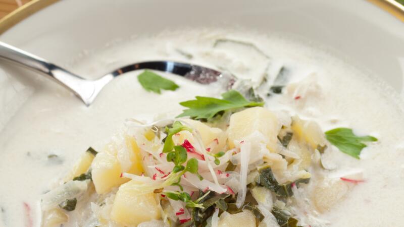 frische kohlrabi-kartoffelsuppe