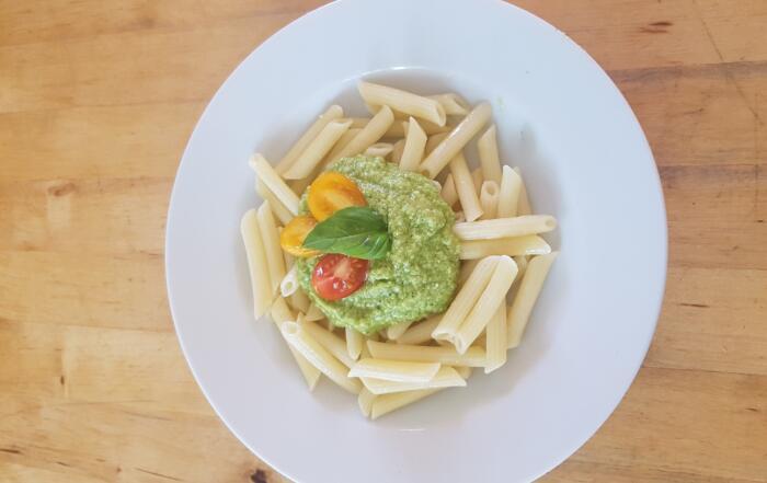frisches Zucchetti-Basilikum-Pesto