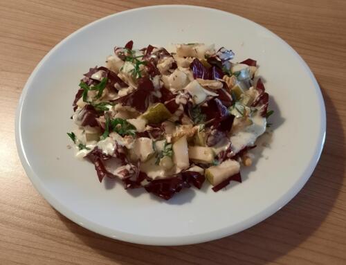 Cicorino-Rosso-Salat mit Birnen und Mascarpone-Gorgonzola