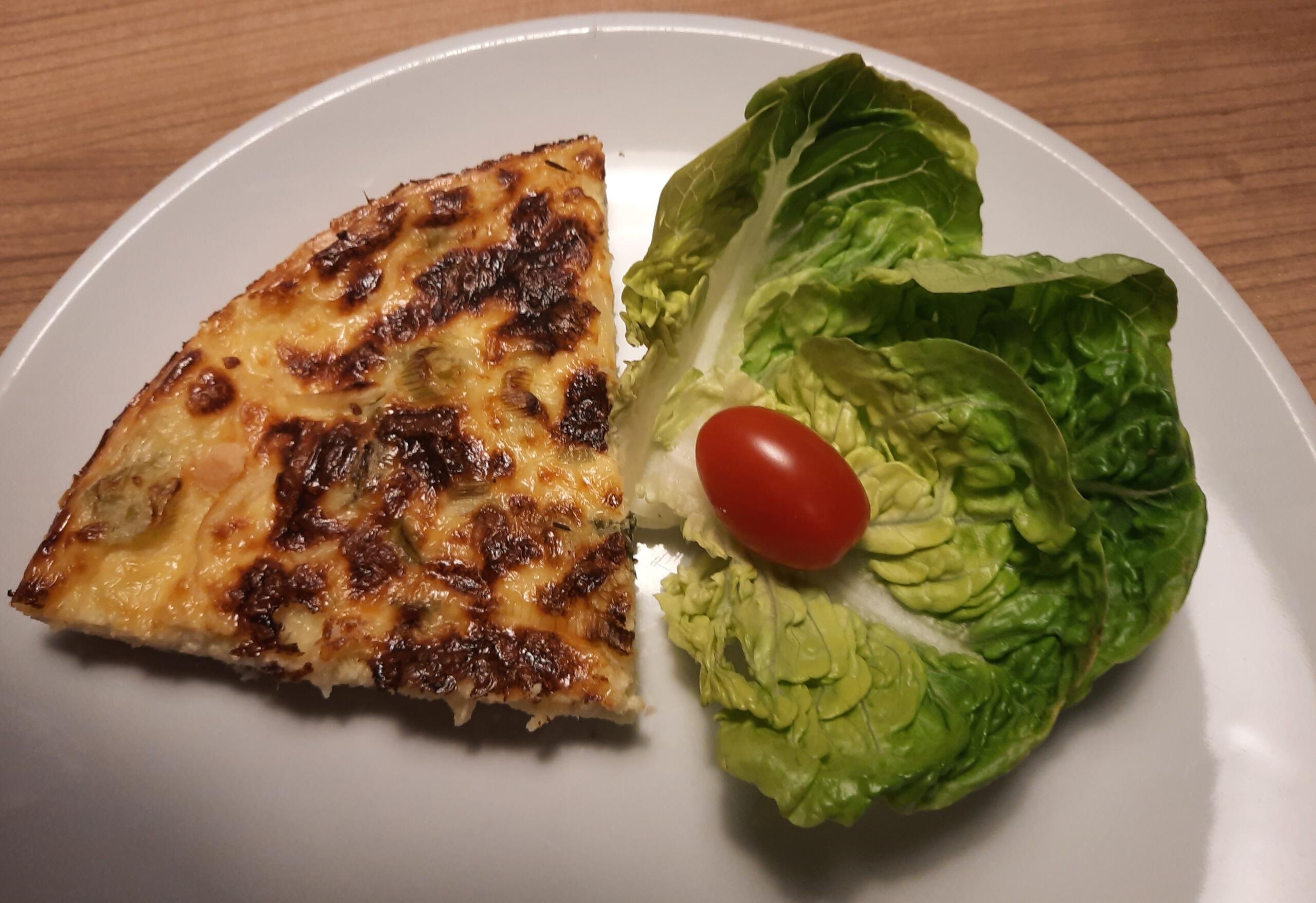 frische Käse-Quark-Wähe mit Frühlingszwiebeln