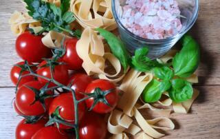 frische Pasta mit Cherry-Tomaten